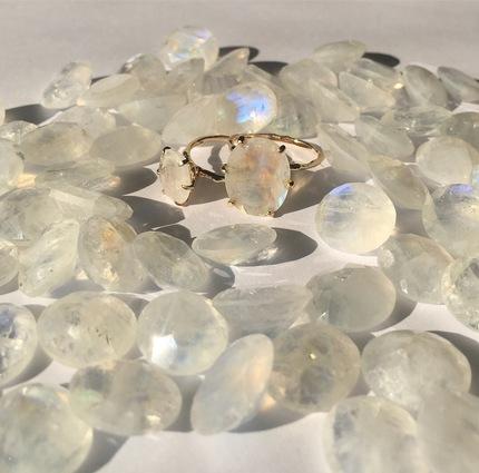 ラブラド石とリング.JPG